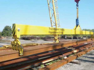 Rail lifting beam