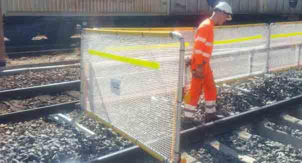 barrière entrevoie gare SNCF modane